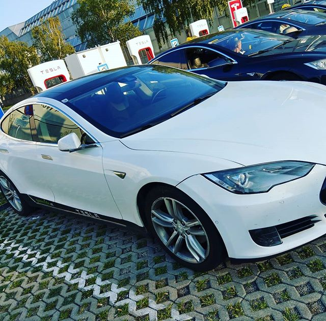 Yesterdays last stop at the Vienna #supercharger #tesla #teslamodels #teslamotors #teslas #teslafan