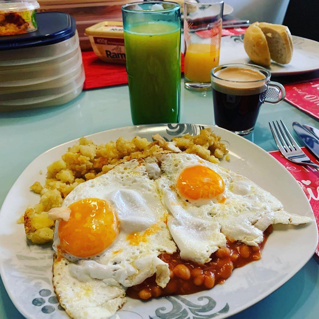 Erster #urlaubstag und gleich mal ein power #frühstück gegönnt. 😊#feiertag