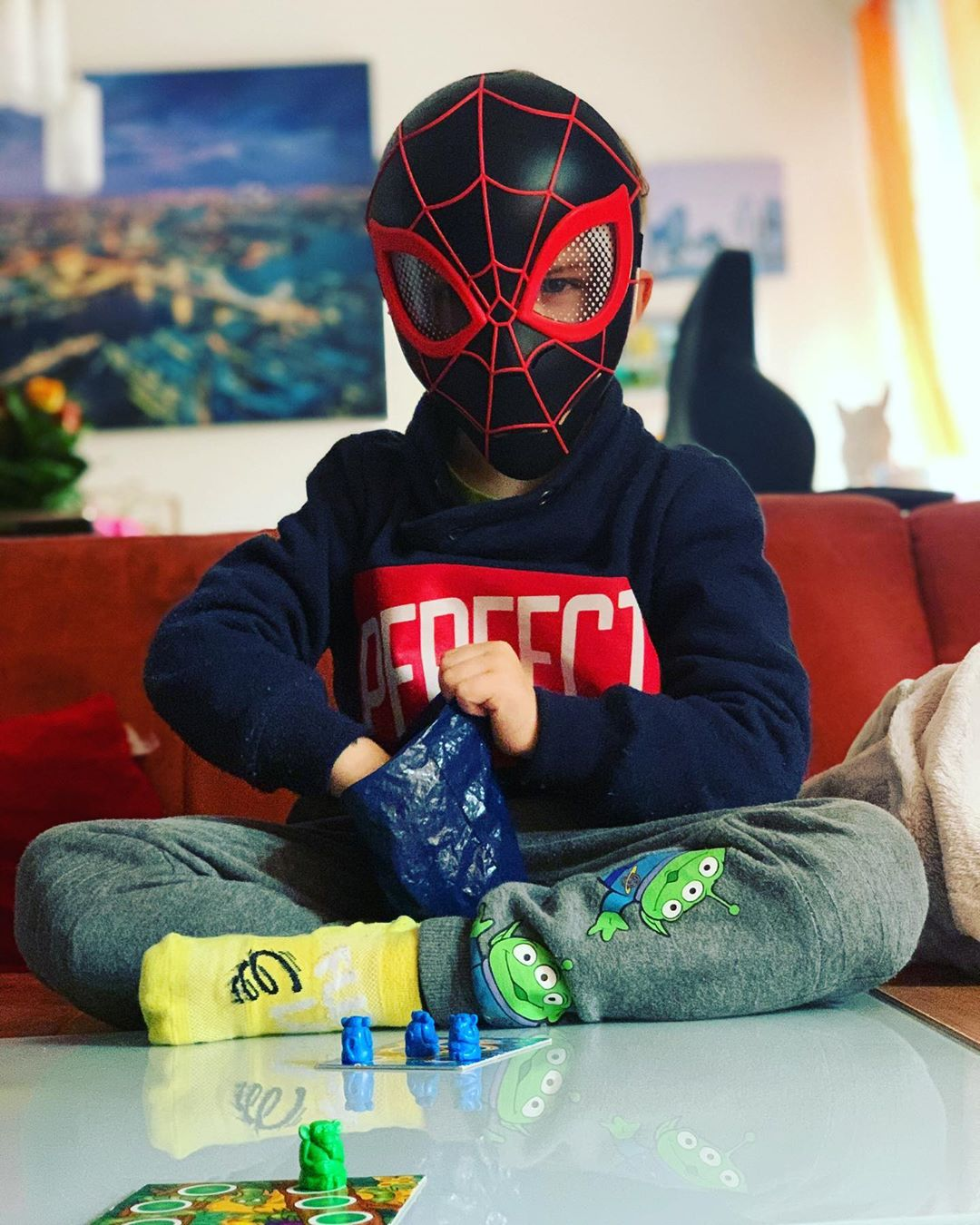 Mit ner Runde #Affenbande gegen Spider-Man ins #Wochenende starten kann auch einiges 🤣 @ravensburgerglobal #kinderbeschäftigung